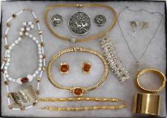 092508: SARA COVENTRY, MONET, JOAN RIVERS, NECKLACES