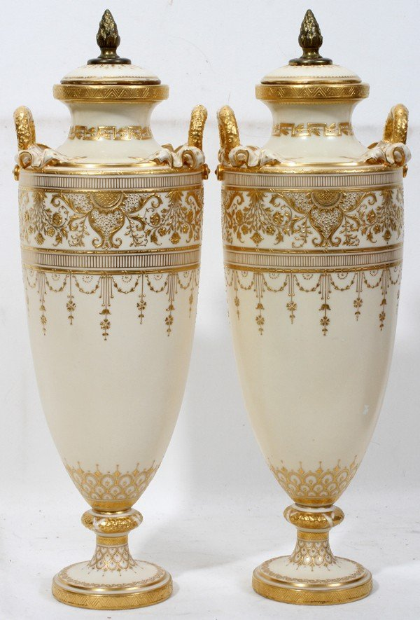 100011: MINTON PORCELAIN URNS WITH COVERS, H 16""