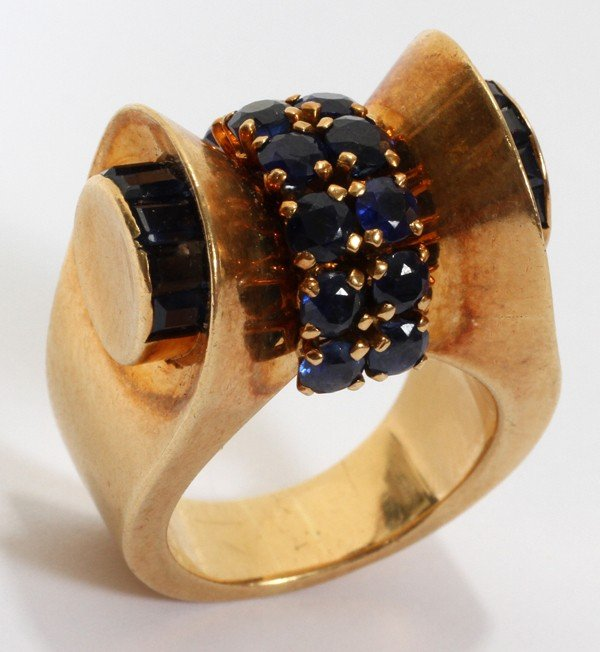 101006: FRENCH 18KT GOLD & SAPPHIRE RING, VAN CLEEF &