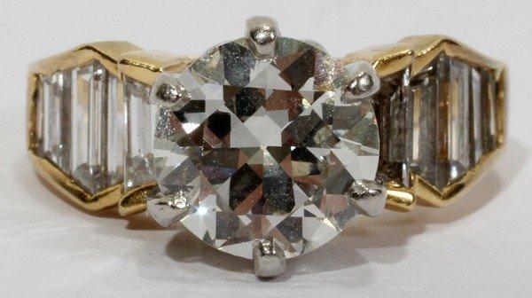 101011: 2.25CT DIAMOND & 18KT GOLD RING