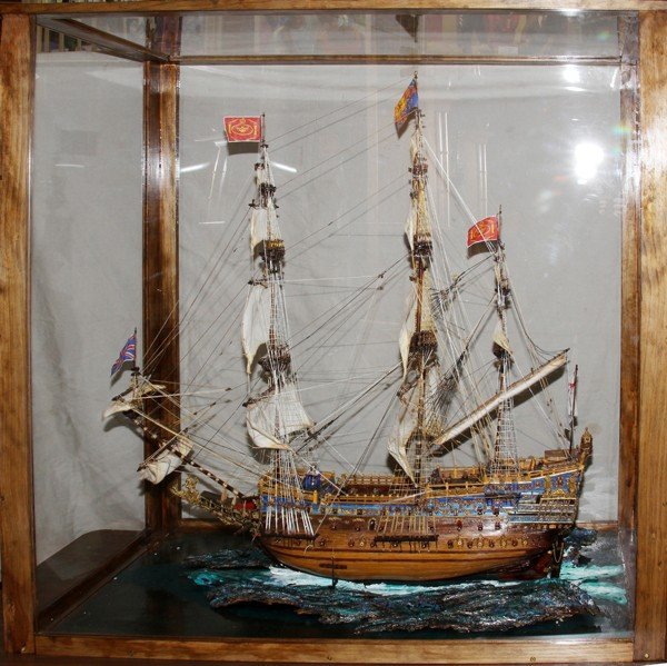 120002: HMS HAND MADE WOOD SHIPS MODEL IN GLASS CASE