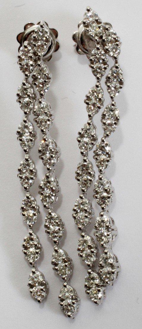 120016: 14KT W/GOLD & 2.44CT DIAMOND DANGLE EARRINGS