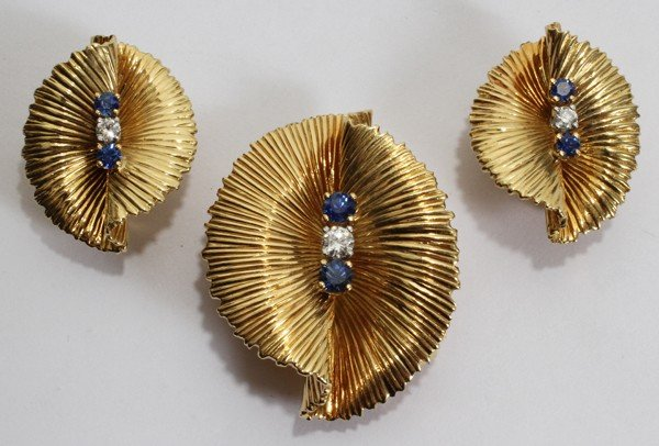012118: TIFFANY & CO. GOLD, DIAMOND & SAPPHIRE EARCLIPS