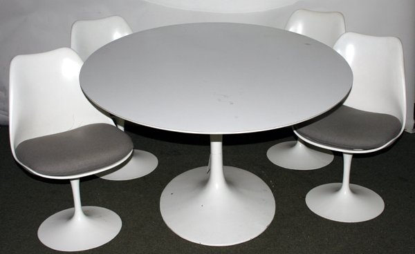 090005: SAARINEN BY KNOLL, TABLE & CHAIRS