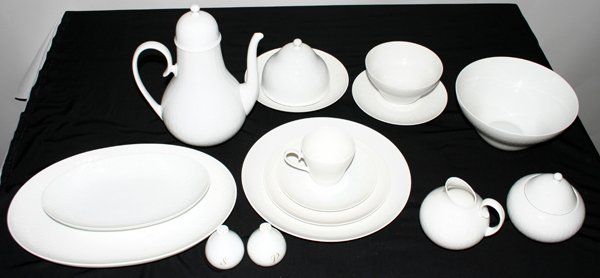 090013: ROSENTHAL PORCELAIN CHINA