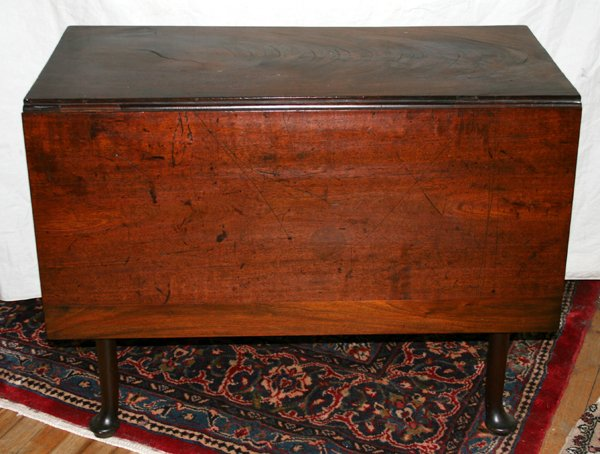 090014: QUEEN ANN DROP LEAF GATE LEG WALNUT TABLE