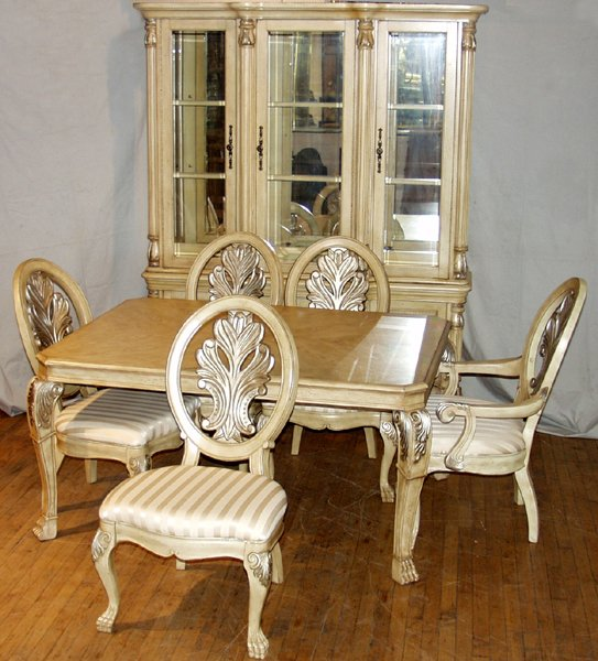 090016: MASTER DESIGN VENETIAN STYLE DINING ROOM SET