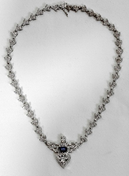 090019: DIAMOND, SAPPHIRE & WHITE GOLD NECKLACE