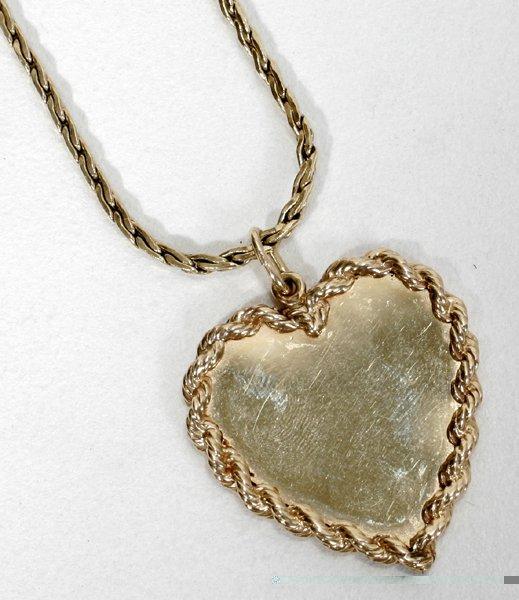 091008: YELLOW GOLD HEART PENDANT & CHAIN