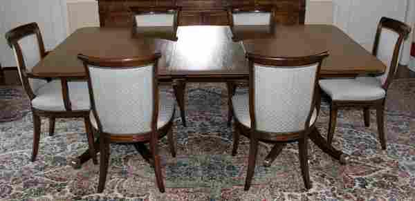 092044: SCHMIEG & KOTZIAN MAHOGANY DINING TABLE