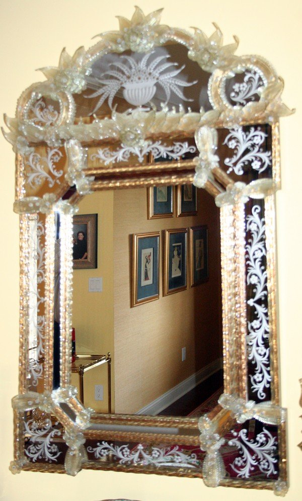 "020003: VENETIAN GLASS MIRROR, LATE 20TH C, H 48"","