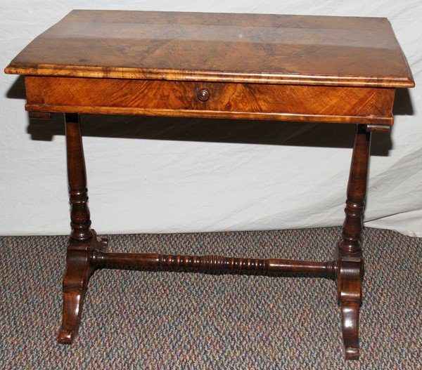 020008: ENGLISH, BURL WALNUT WRITING DESK, 19TH C.,