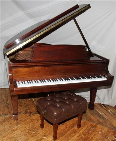 "020052: STEINWAY MODEL M GRAND PIANO, H 38"", L 56"","