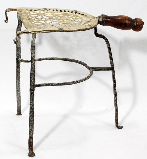 021156: ANTIQUE BRASS & IRON TRIVET WITH WOOD HANDLE,