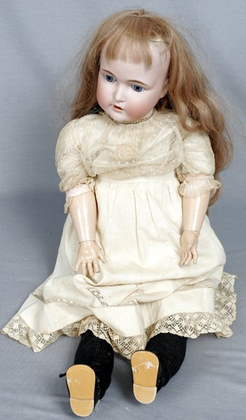 093004: GERMAN BISQUE HEAD & COMPOSITION BODY DOLL