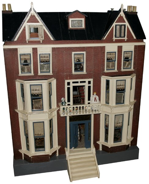 093101: DOLL HOUSE, FULLY FURNISHED