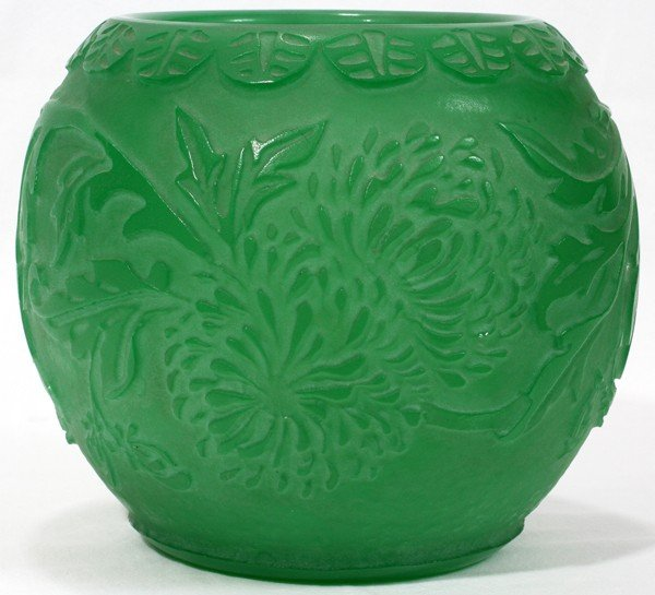 031010: STEUBEN ACID CUT GREEN JADE GLASS VASE,