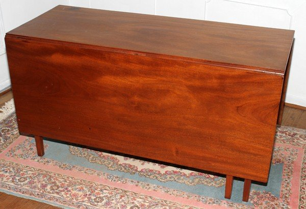 031014: AMERICAN HEPPLEWHITE MAHOGANY BANQUET TABLE,