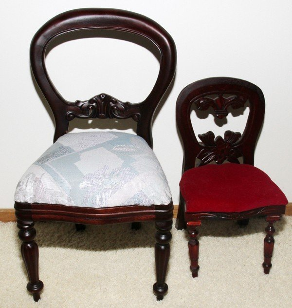 031436: VICTORIAN STYLE MAHOGANY CHILD & DOLL CHAIRS