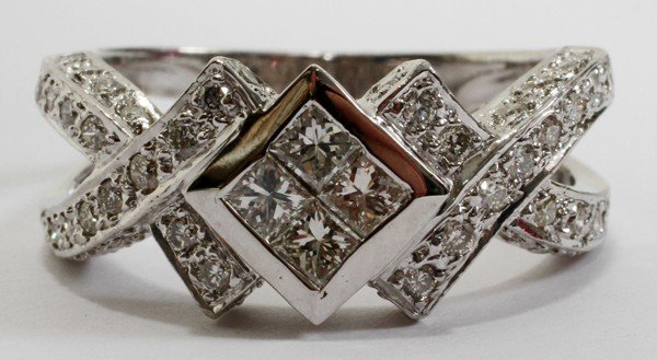 030014: 18KT WHITE GOLD & 1.00CT DIAMOND RING, 6