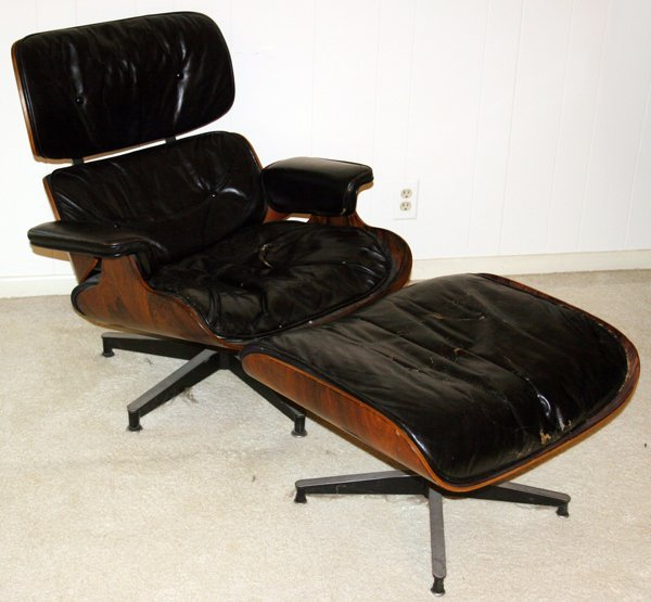040007: EAMES LEATHER & ROSEWOOD LOUNGE CHAIR & OTTOMAN