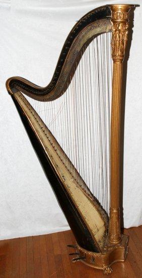 GEORGE IV IRISH GILT-DECORATED WOOD & HARP