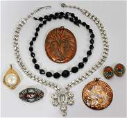 041564: GROUP OF COSTUME JEWELRY SEVEN PIECES