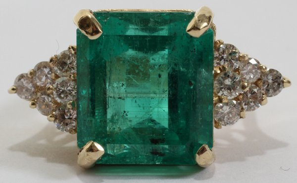042098: 11.75 C.T EMERALD RING WITH DIAMONDS GIA REPORT