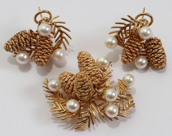 042113: PINE CONE W/PEARLS, GOLD BROOCH & EARRING SET
