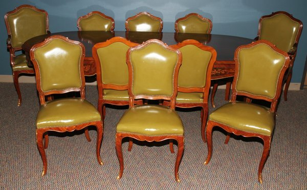 042168: MAHOGANY DINING TABLE & 10 CHAIRS, 11 PIECES