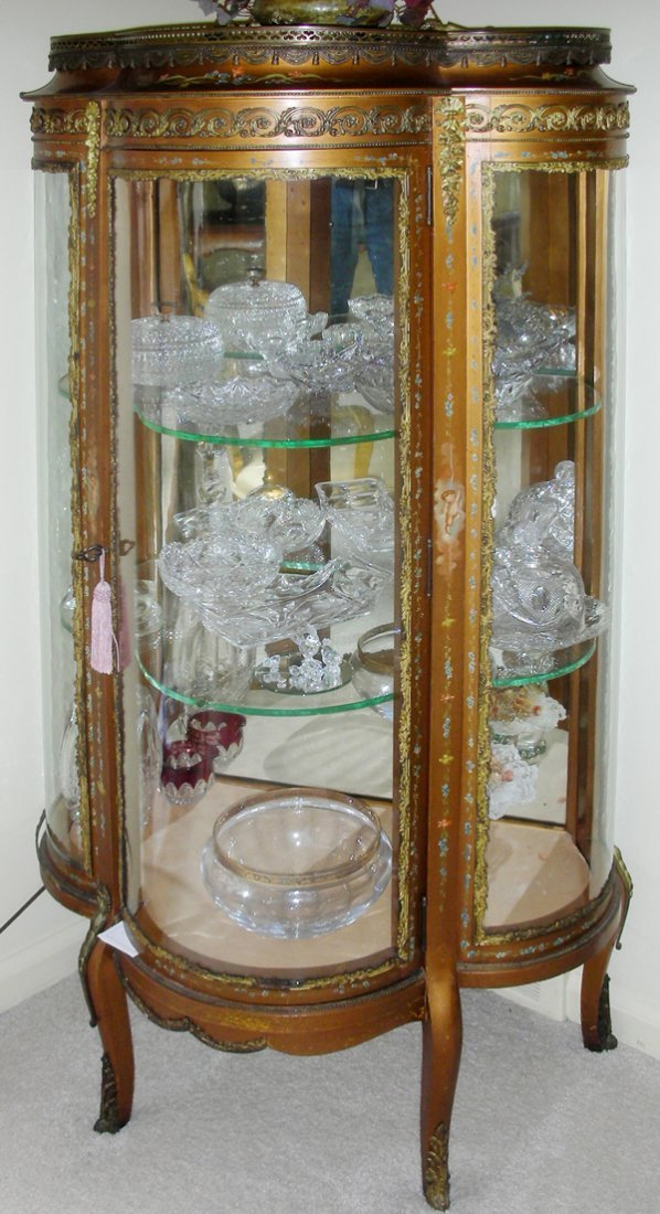 042177: FRENCH STYLE GILT CURIO CABINET CURVED GLASS
