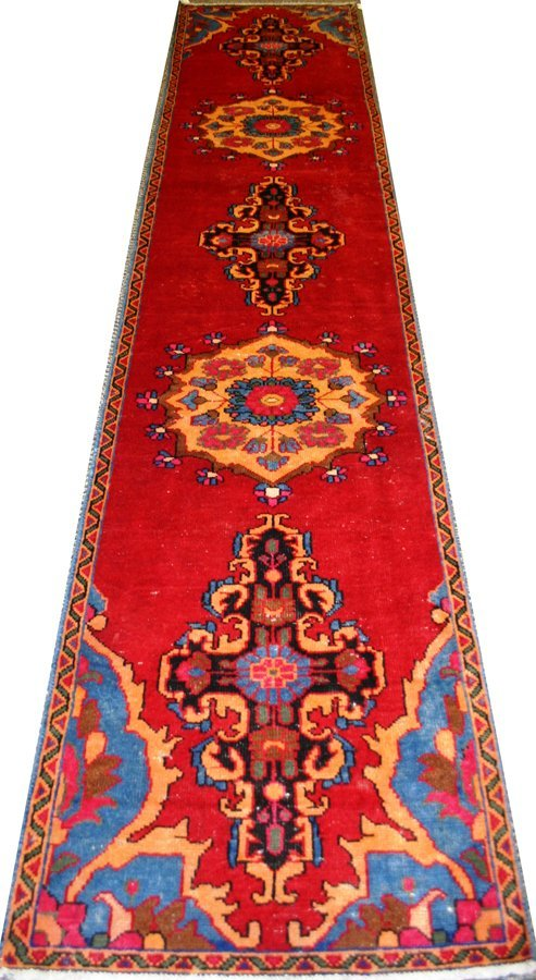 "050147: HERIZ, WOOL PERSIAN RUNNER, C1970, 12'4"" X 2'7"""