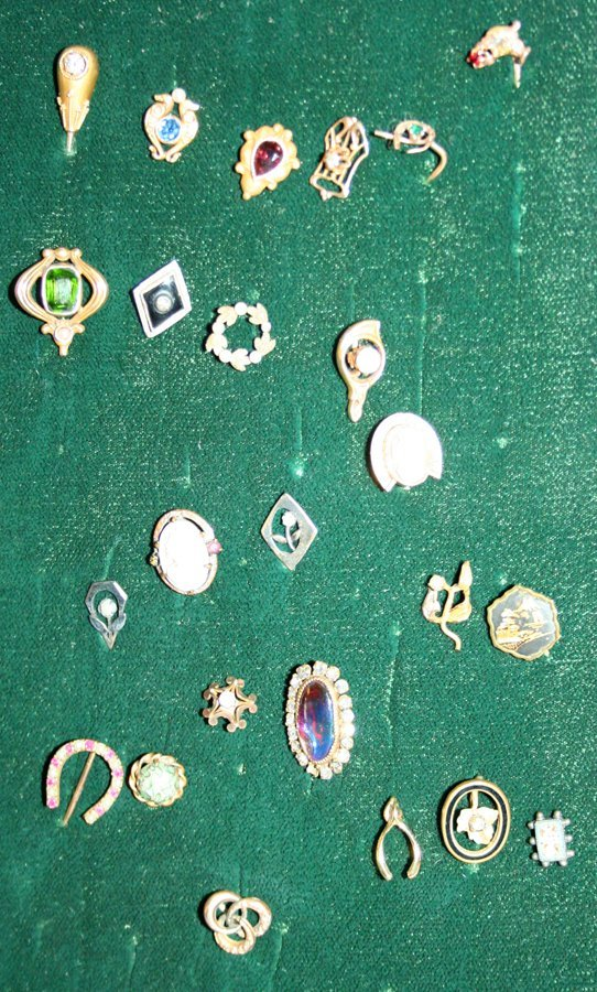 050160: GOLD, RUBY, DIAMOND, PEARL, ETC, TIE TACK COLL.