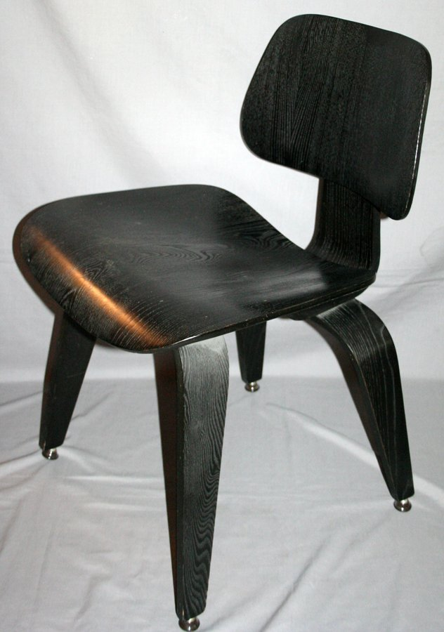 050163: EAMES BLACK PAINTED WOOD CONTEMPORARY CHAIR,