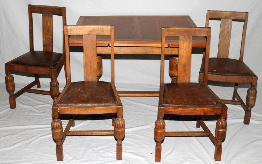 050179: ARTS & CRAFTS OAK TABLE, + OTHER CHAIRS
