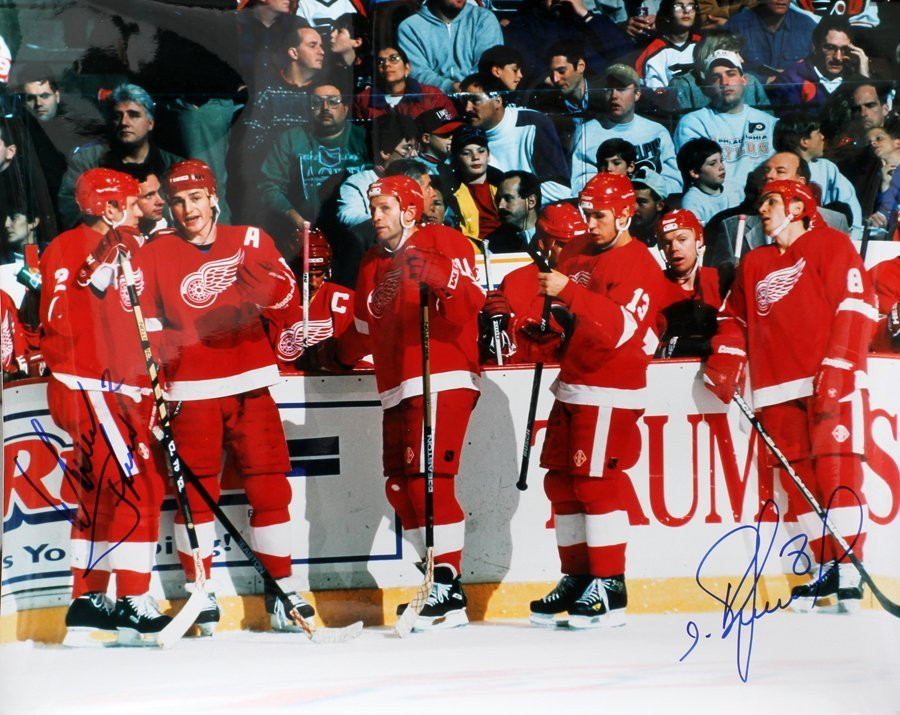 050188: DETROIT RED WINGS AUTOGRAPHED PHOTOS 3 PCS.,