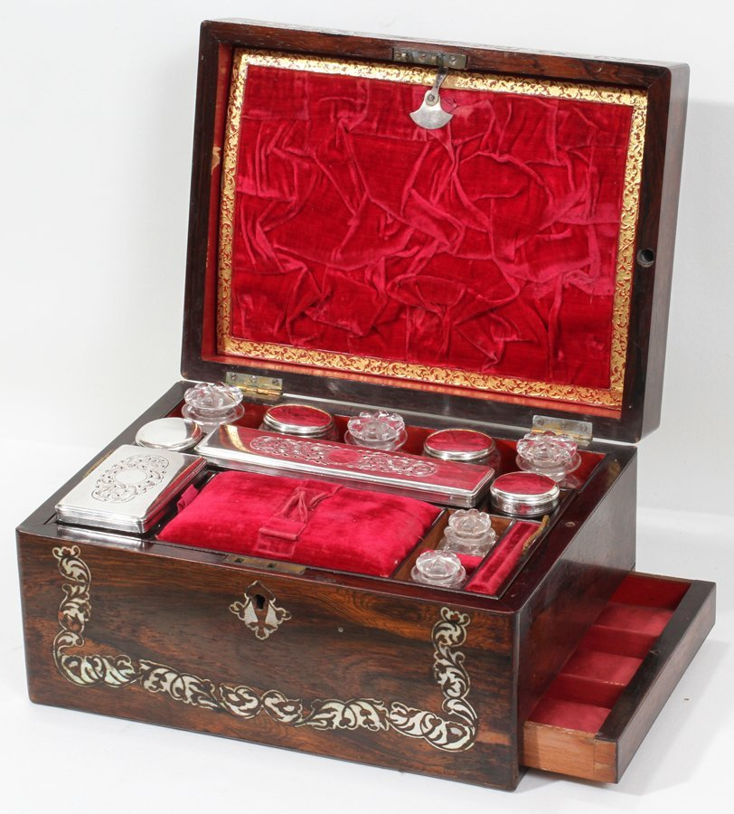 051018: VICTORIAN ROSEWOOD & MOTHER-OF-PEARL VANITY BOX