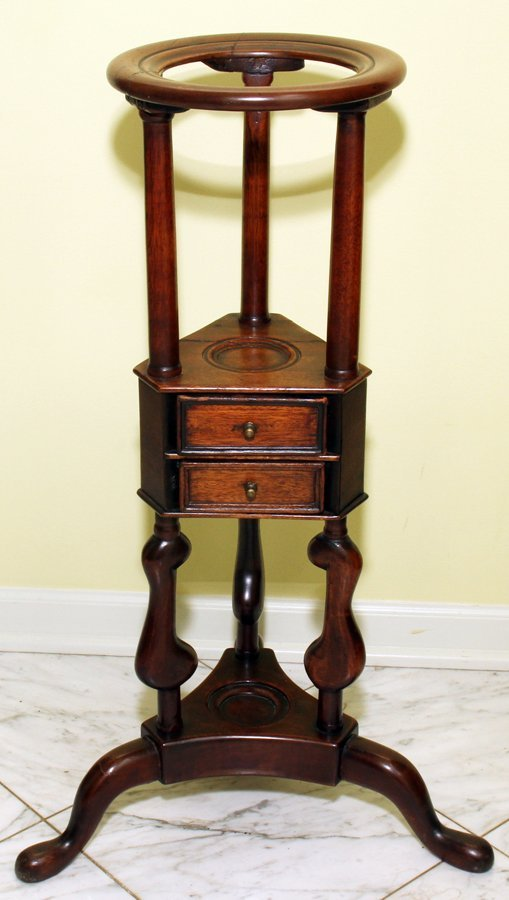 "051111: QUEEN ANNE ANTIQUE MAHOGANY STAND, H 29"", W 17"""