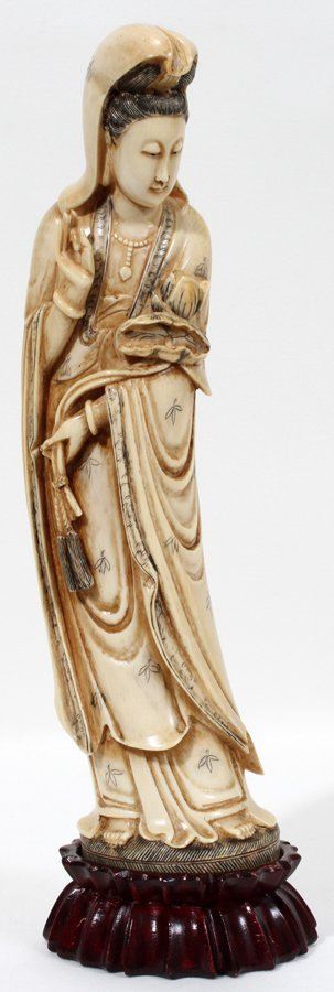 051140: JAPANESE IVORY FIGURE OF GUAN YIN, H 11 1/4""
