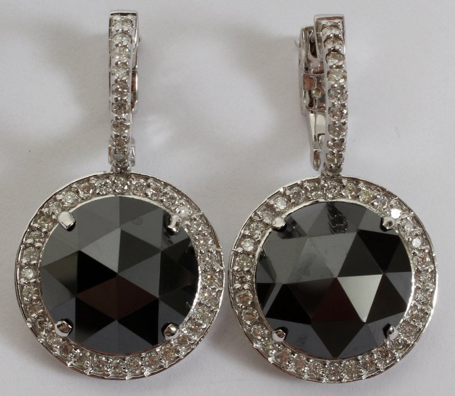 052235: 9.15CT BLACK DIAMOND & 1.00CT DIAMOND EARRINGS