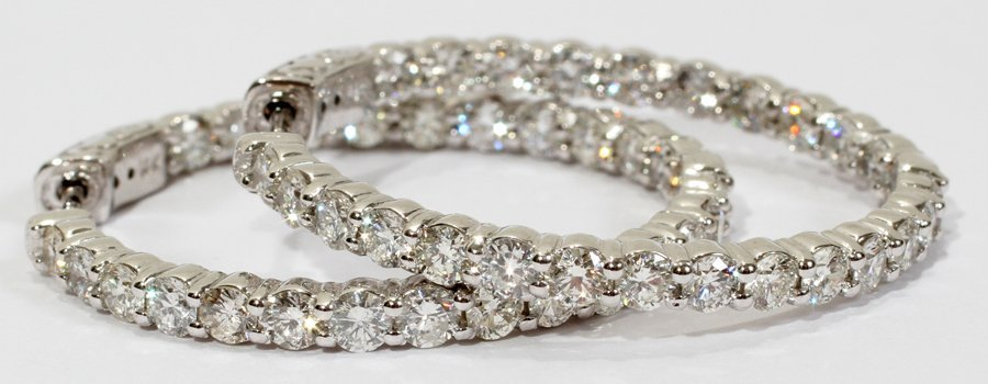 052240: 14KT WHITE GOLD & 4.20CT DIAMOND EARRINGS