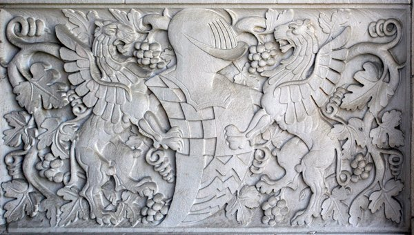 060008: CARVED GRIFFIN, ARMOR, GRAPE AND LEAF PANELS