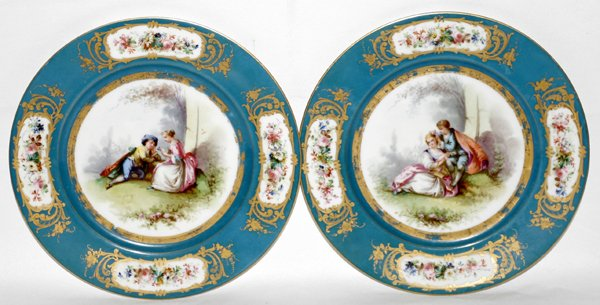 101016: SEVRES PORCELAIN PLATES W/ COURTING SCENES