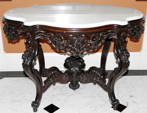 102027: MEEKS, ROCOCO REVIVAL ROSEWOOD TABLE
