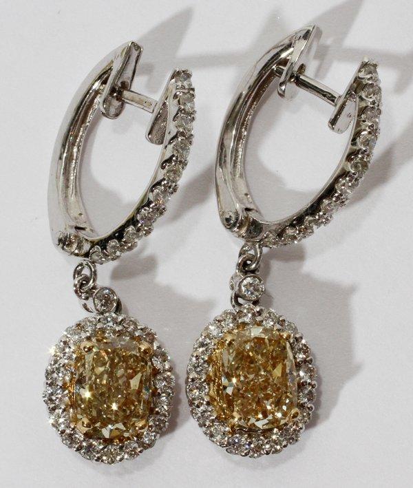 071023: 18KT WGOLD &  YELLOW DIAMOND EARRINGS