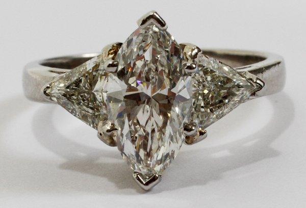 071028: PLATINUM & 2.30CT DIAMOND RING