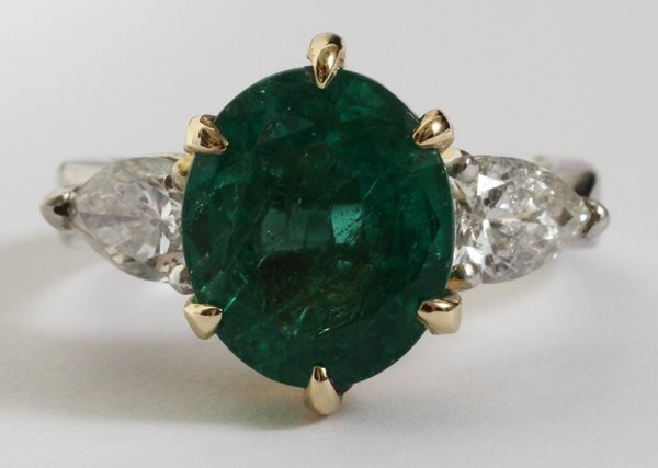 080017: 5.22CT NATURAL EMERALD & 1CT SIDE DIAMOND RING