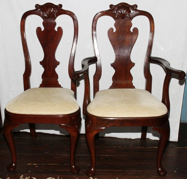 081021: QUEEN ANNE STYLE MAHOGANY DINING CHAIRS