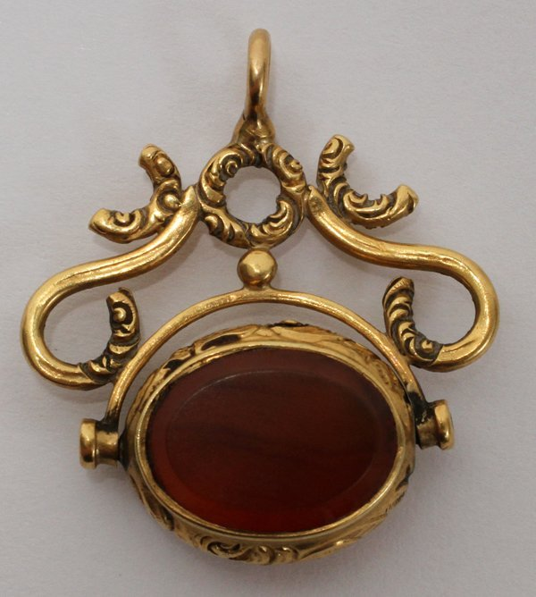 102312: 15KT GOLD WATCH FOB