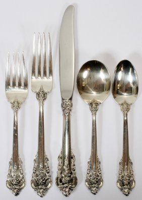 111002: WALLACE 'GRAND BAROQUE' STERLING FLATWARE SET